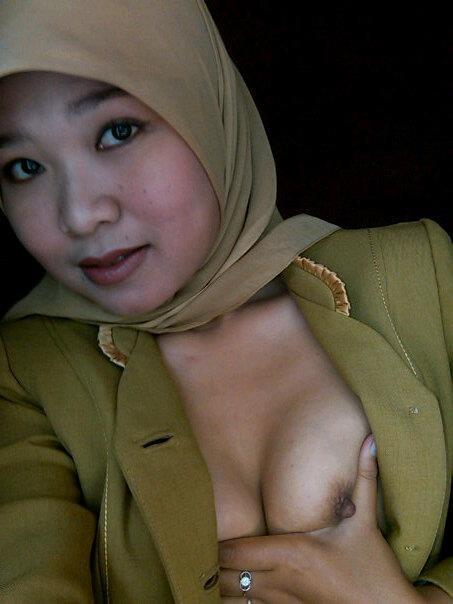 tante jilbab pns - dian (1)