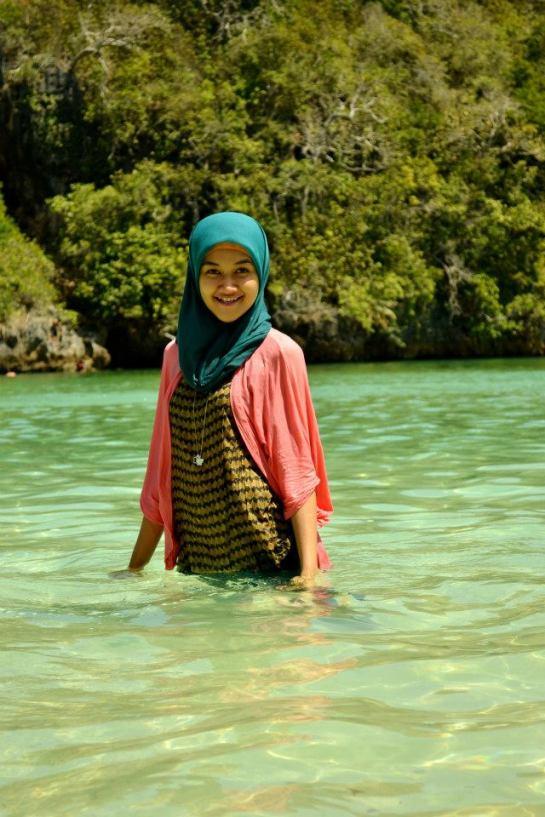 jilbab pantai hot sexy (1)
