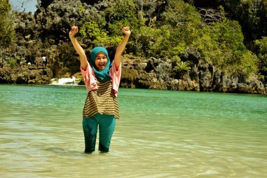 jilbab pantai hot sexy (11)