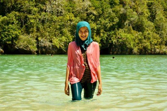 jilbab pantai hot sexy (2)