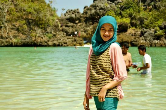 jilbab pantai hot sexy (6)
