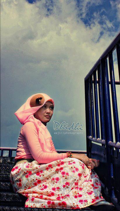 jilbab pink buah dada besar  (5)