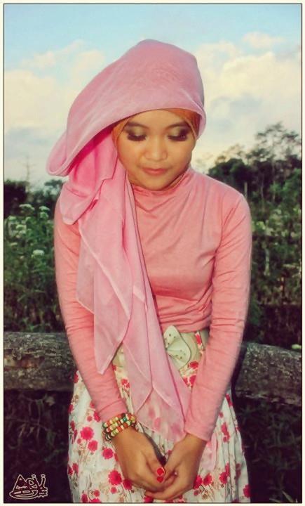 jilbab pink buah dada besar  (7)
