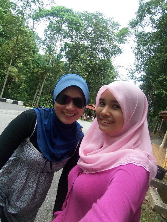 jilbab pink montok (4)