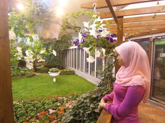 jilbab pink montok (6)