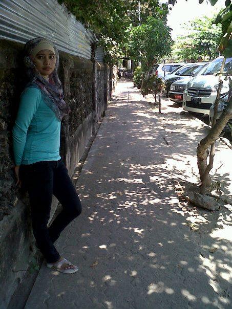 jilbab toket gede memek basah (4)