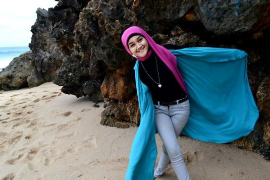 jilbab hot toge besar (10)