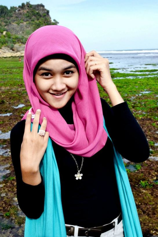 jilbab hot toge besar (12)