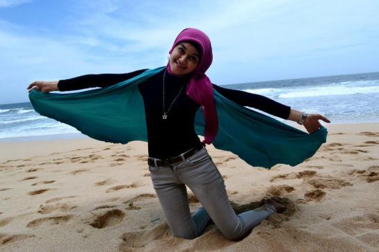 jilbab hot toge besar (14)