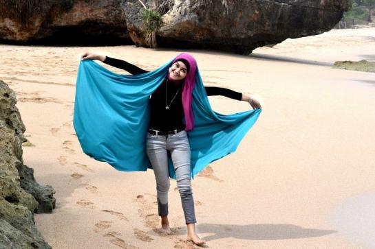 jilbab hot toge besar (7)