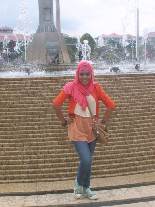 tikha hijabers montok (10)