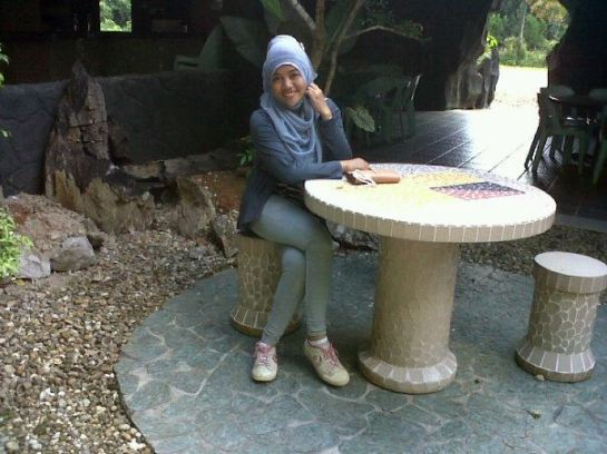 tikha hijabers montok (8)
