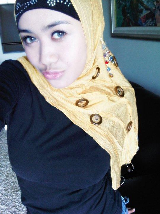 jilbab susu montok-nia (2)
