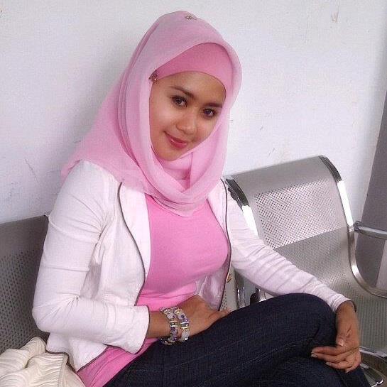 jilbab susu montok-nia (4)