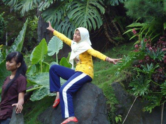 jilbab susu montok-putri rahayu (1)