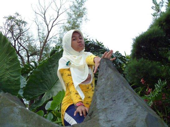 jilbab susu montok-putri rahayu (2)