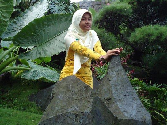 jilbab susu montok-putri rahayu (5)