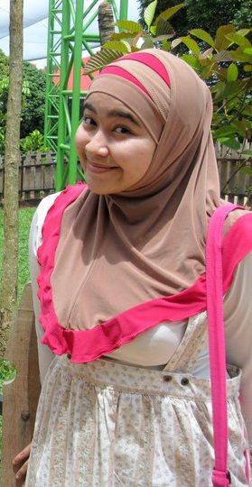 nita-bigboobs hijab (1)