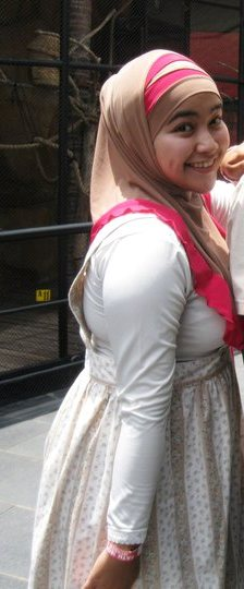 nita-bigboobs hijab (11)