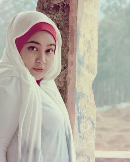 nita-bigboobs hijab (3)