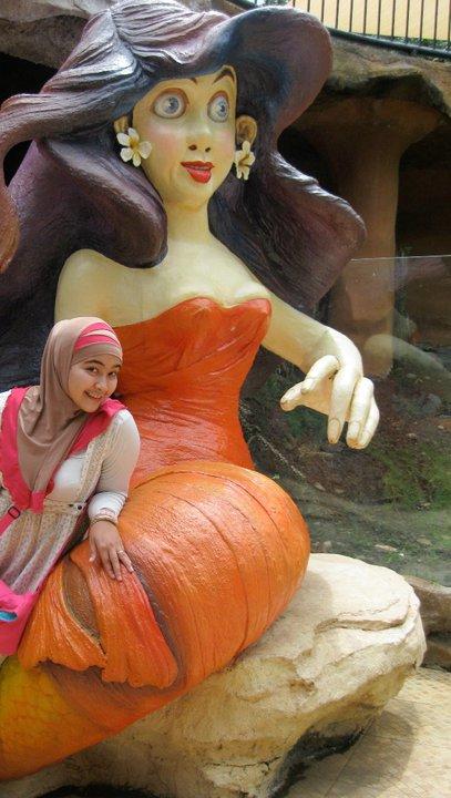 nita-bigboobs hijab (4)
