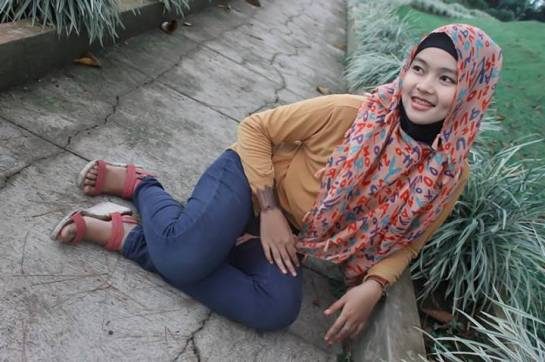 jilbab toket montok - hilma afina (6)