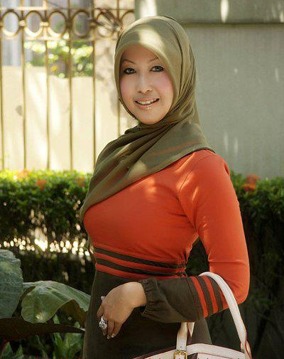 tante jilbab hot (7)