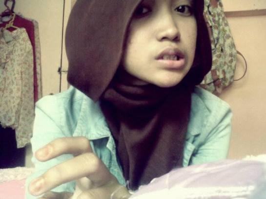 foto hot jilbab - ade risqi (15)