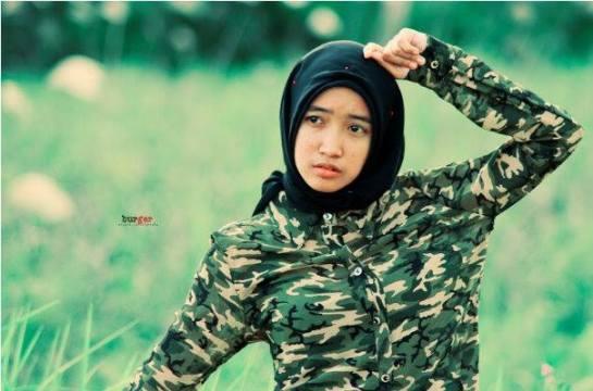 foto hot jilbab - ade risqi (16)
