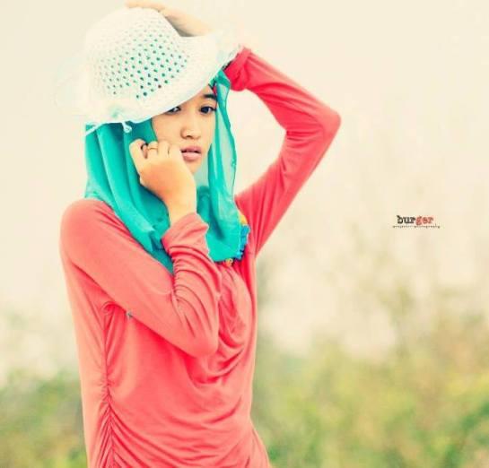 foto hot jilbab - ade risqi (2)