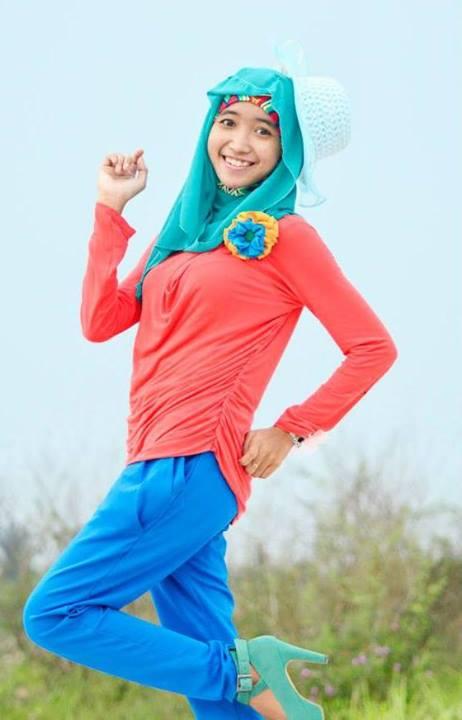 foto hot jilbab - ade risqi (3)