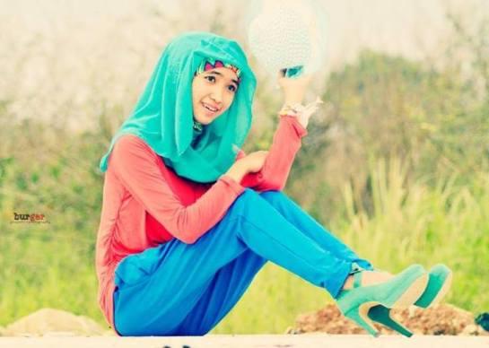 foto hot jilbab - ade risqi (4)