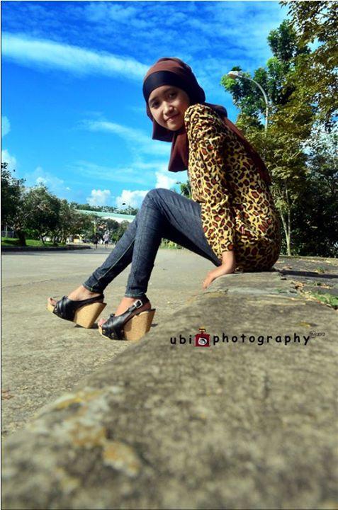 foto hot jilbab - ade risqi (8)