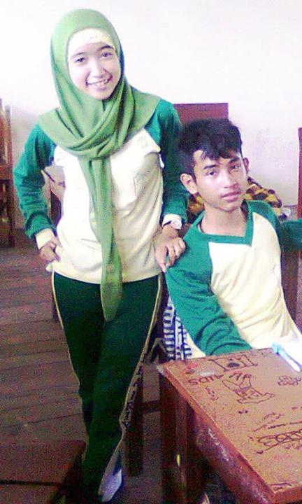 foto hot jilbab - ade risqi (9)