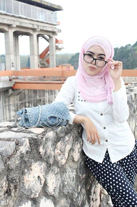hijaber seksi - ayyun azzuyin (7)