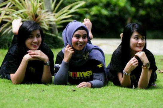 hilda - jilbab montok (1)