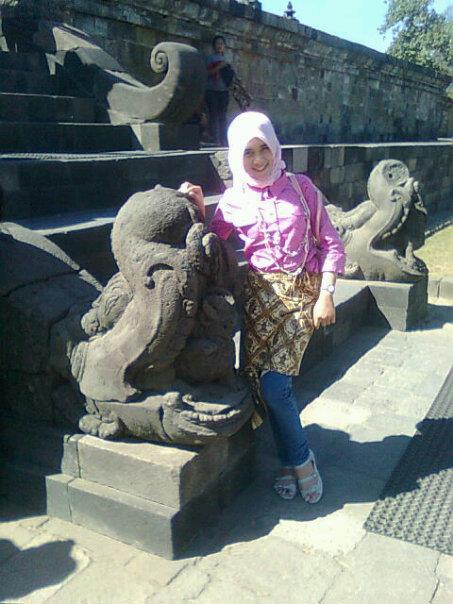 jilbab bikin horni - kurnia intan (2)