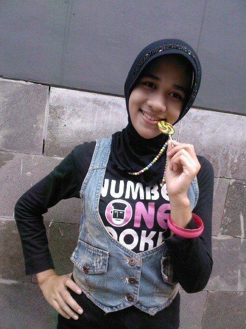 jilbab bikin horni - kurnia intan (5)