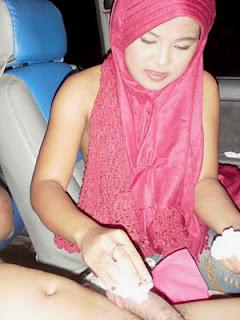 jilbab merah9