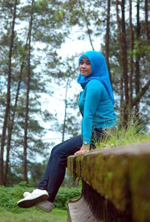 yessy eci - toge jilbab montok (4)