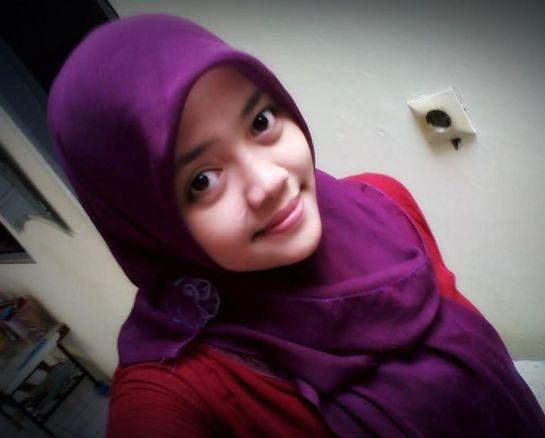 nur aini dwi hapsari - jilbab perawan (1)