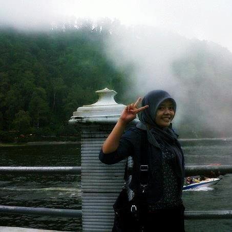 nur aini dwi hapsari - jilbab perawan (3)