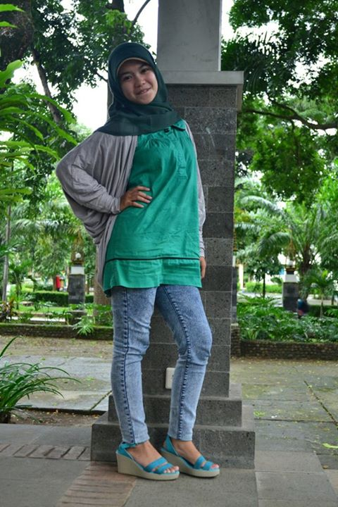 sherly faraniva - jilbab manis payudara besar (10)
