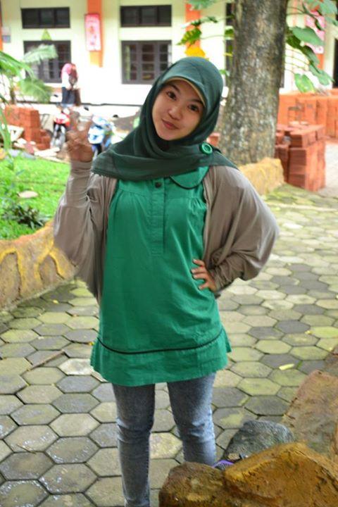sherly faraniva - jilbab manis payudara besar (14)