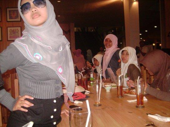 sherly faraniva - jilbab manis payudara besar (5)