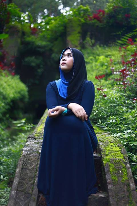 yessy purnamasari - jilbab memek seret (2)