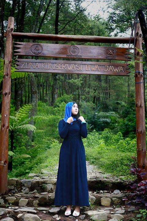 yessy purnamasari - jilbab memek seret (4)