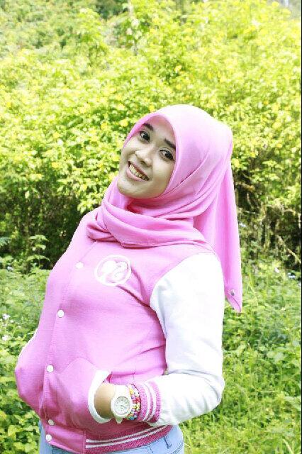 yessy ecii jilbab merangsang (1)