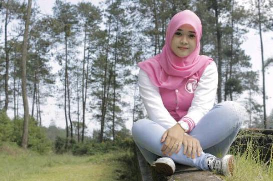 yessy ecii jilbab merangsang (13)