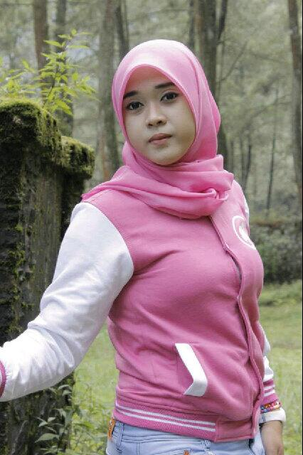 yessy ecii jilbab merangsang (4)